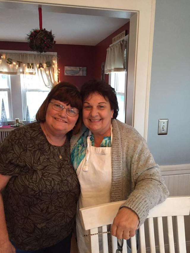 sharon-and-mom-tgiving
