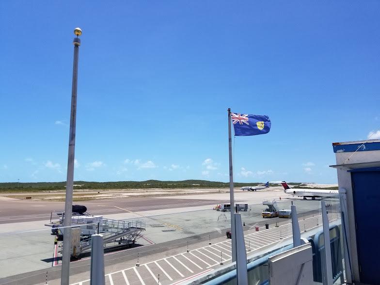 AIRPORT OUTDOOR 2