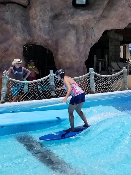 LARISSA SURF.jpg