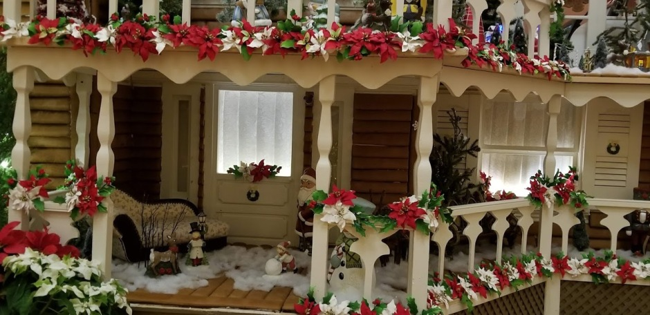 GINGERBREAD PORCH.jpg