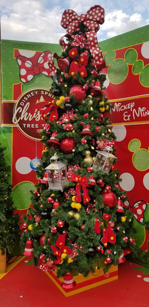 MICKEY AND MINNIE TREE.jpg