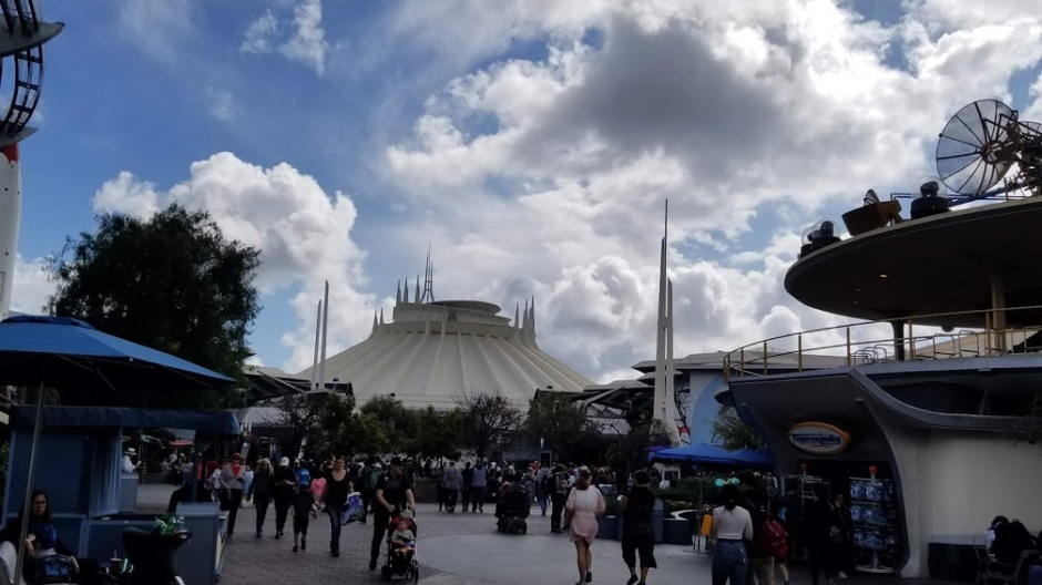 SPACE MOUNTAIN 1 SOLO TRIP 3-19
