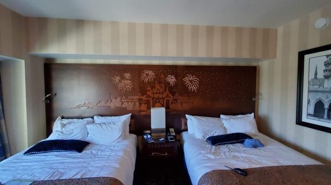 DISNEYLAND HOTEL 12 CA 2019.jpg