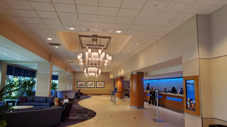 DISNEYLAND HOTEL 3 CA 2019.jpg