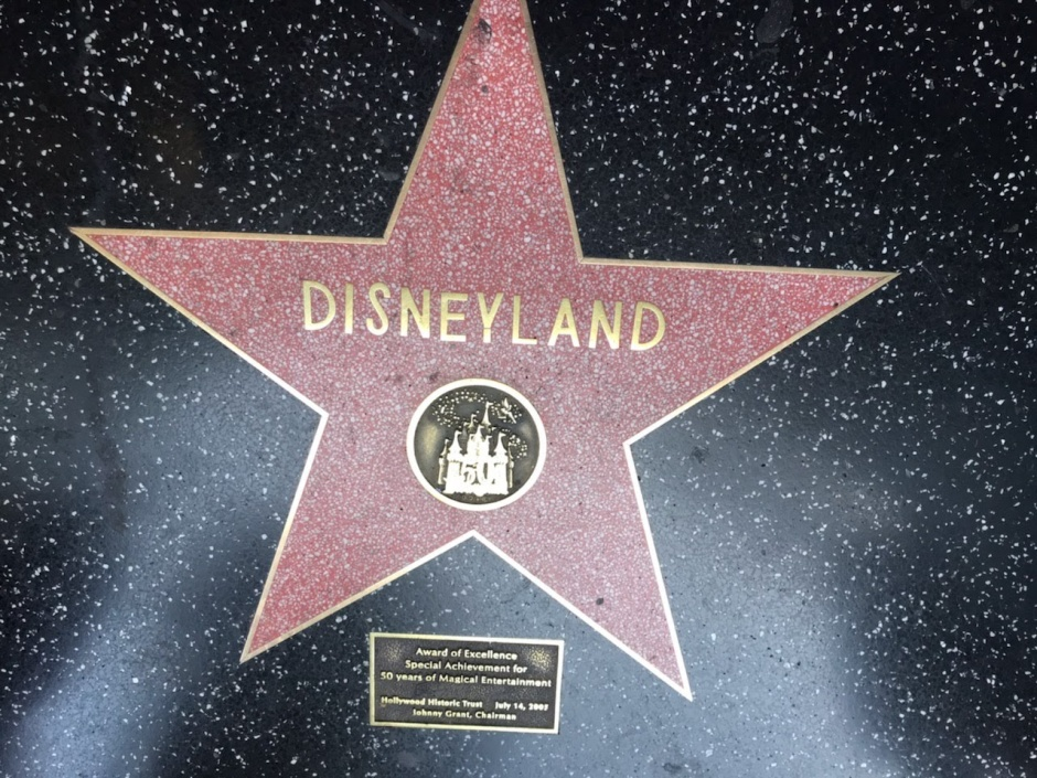 DISNEYLAND STAR CA 2019.jpg