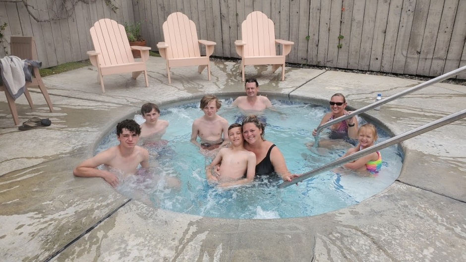 HOT TUB 1 DAY 8 CA 2019.jpg