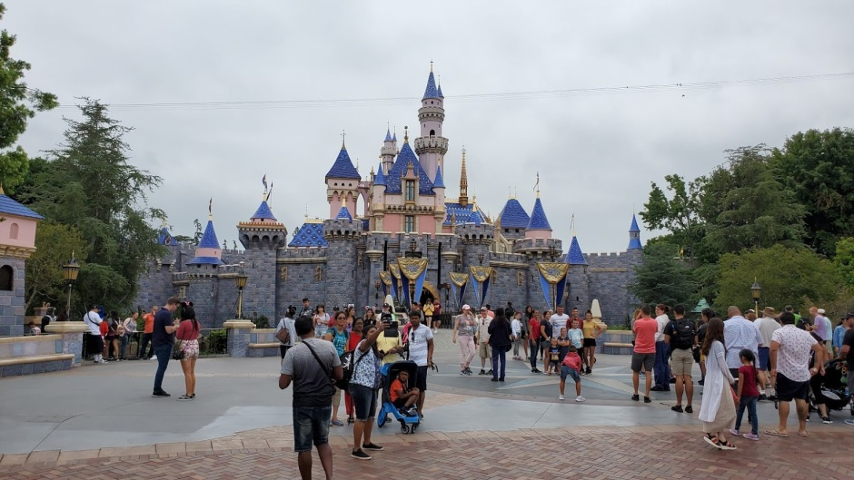 SLEEPING BEAUTY CASTLE 1 DAY 11 CA 2019