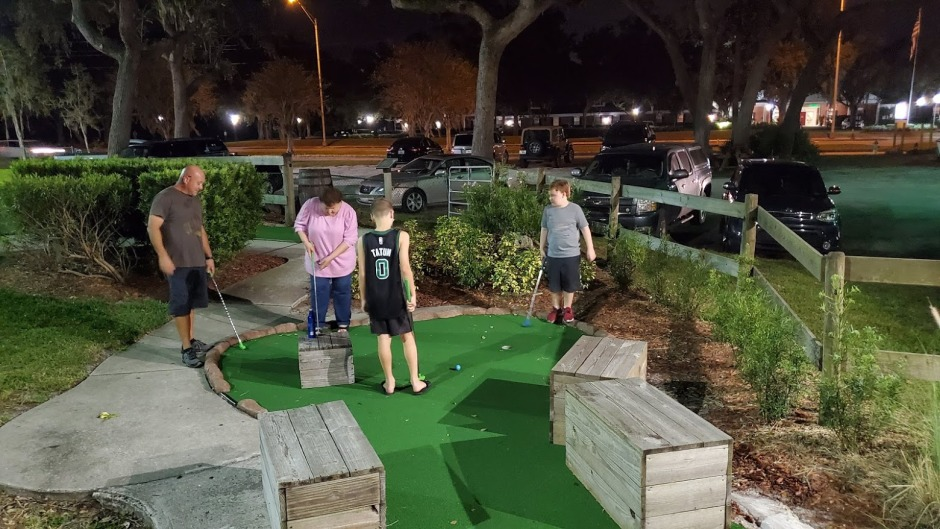 MINI GOLF 1 NOVEMBER 2019 FL TRIP 1ST POST.jpg