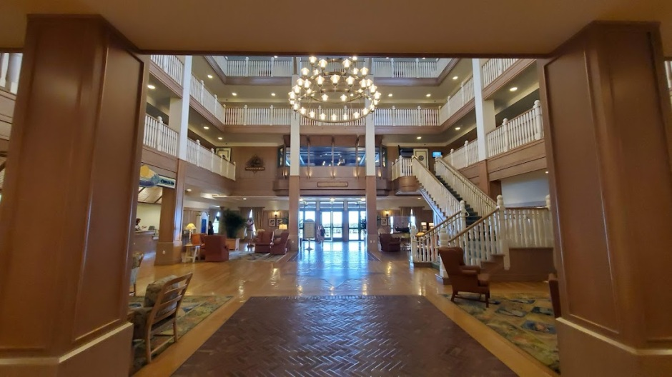 VERO LOBBY 1 VERO BEACH DAY 2 FEB 2020